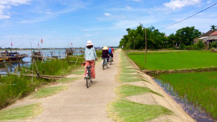 cam kim bike tour