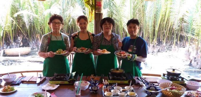 Market Tour, Basket Boat Ride and Cooking Class